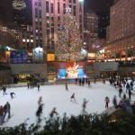 La celebre pista di pattinaggio al Rockefeller Center