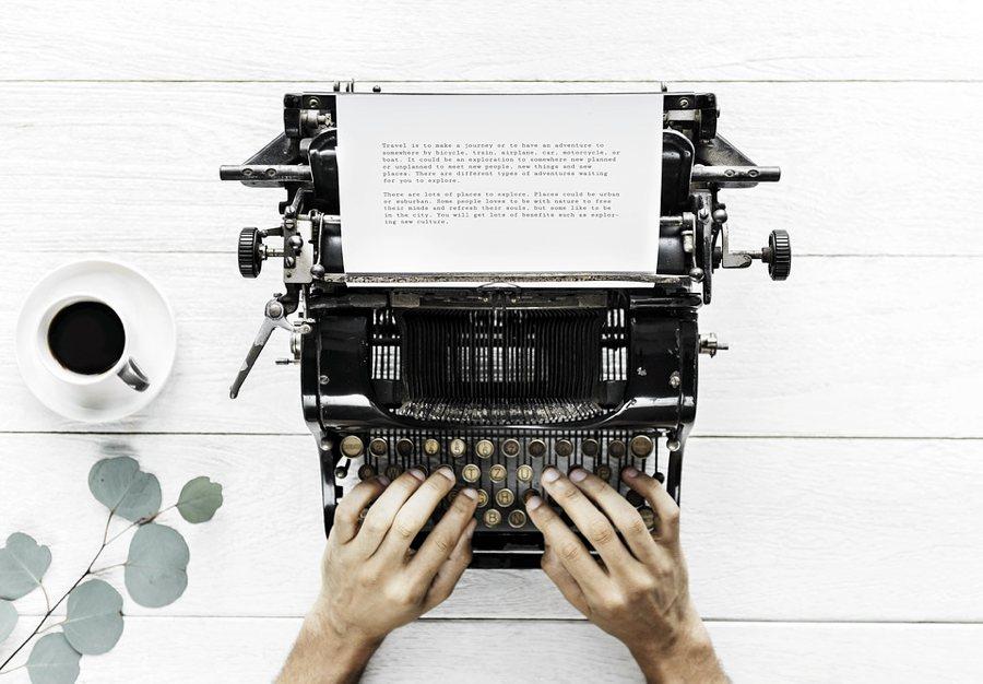 I consigli per scrivere un libro di successo, anche con la macchina da scrivere