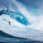 Il surf è motivo di grande attrattiva turistica alle Hawaii