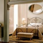 Un letto in ferro battuto