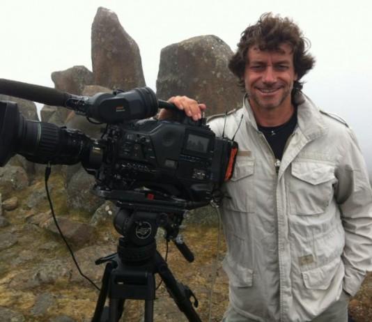 Alberto Angela pronto per registrare uno dei suoi programmi tv