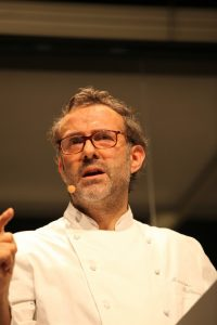 Massimo Bottura, attualmente il numero 1 tra gli chef italiani, in una foto di Bruno Cordioli (via Flickr)
