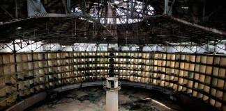 Il Panopticon pensato da Jeremy Bentham e ripreso da Michel Foucault in Sorvegliare e punire