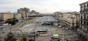 Piazza Garibaldi a Napoli (foto di Sailko via Wikimedia Commons)