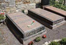 La tomba di Nietzsche, uno dei padri del pessimismo filosofico (foto di Dguendel via Wikimedia Commons)