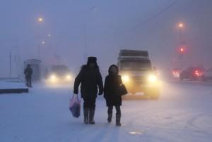 Gente per strada a Jakutsk