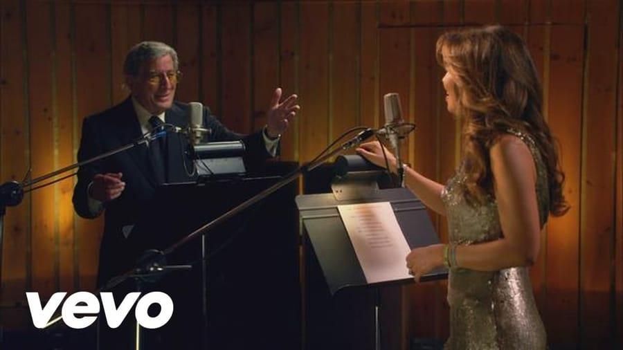 Tony Bennett in uno dei suoi celebri duetti