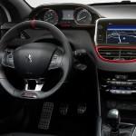 Gli interni della Peugeot 208 GTi