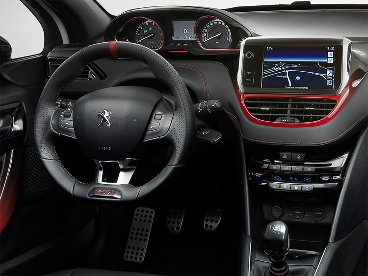 Cinque ottime auto sportive economiche cinque cose belle for Peugeot 6008 interieur