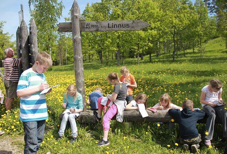 Bambini estoni in gita scolastica