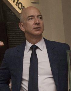 Jeff Bezos, l'uomo più ricco del mondo e fondatore di Amazon