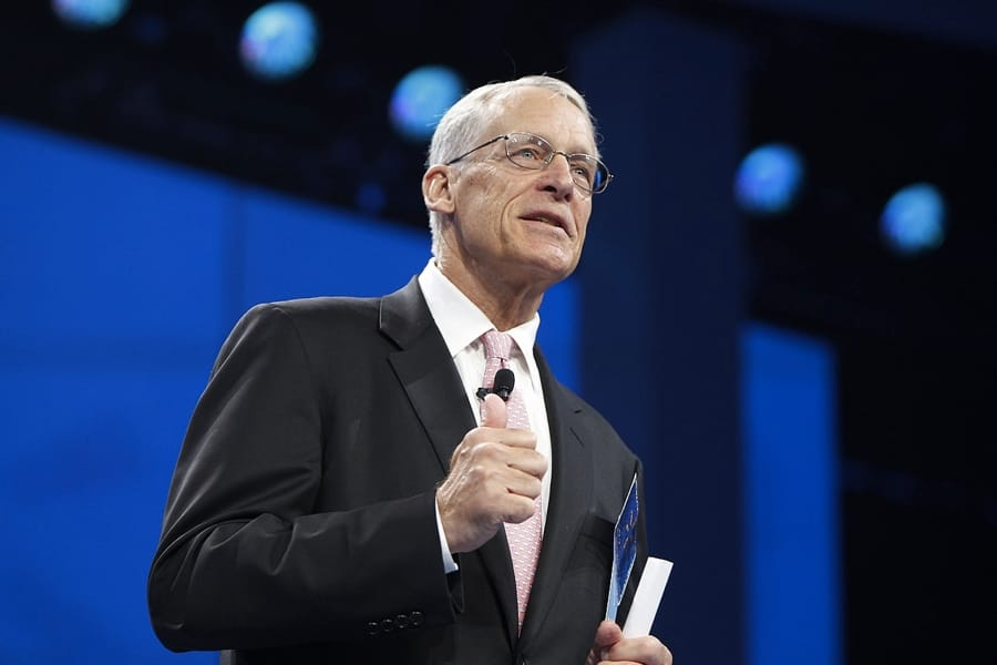 S. Robson Walton (foto di Walmart Corporation via Flickr)