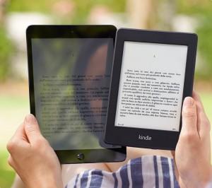 Il Kindle Paperwhite comparato con l'iPad