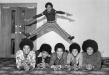 I Jackson Five nei primi anni '70: Michael è il secondo da destra