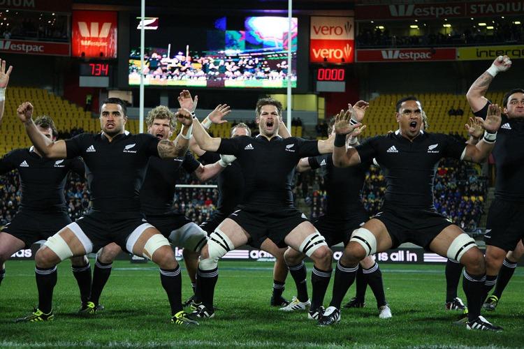 Gli All Blacks – una delle squadre nazionali di rugby più forti del mondo – eseguono l'haka (foto di Jo Caird via Flickr)