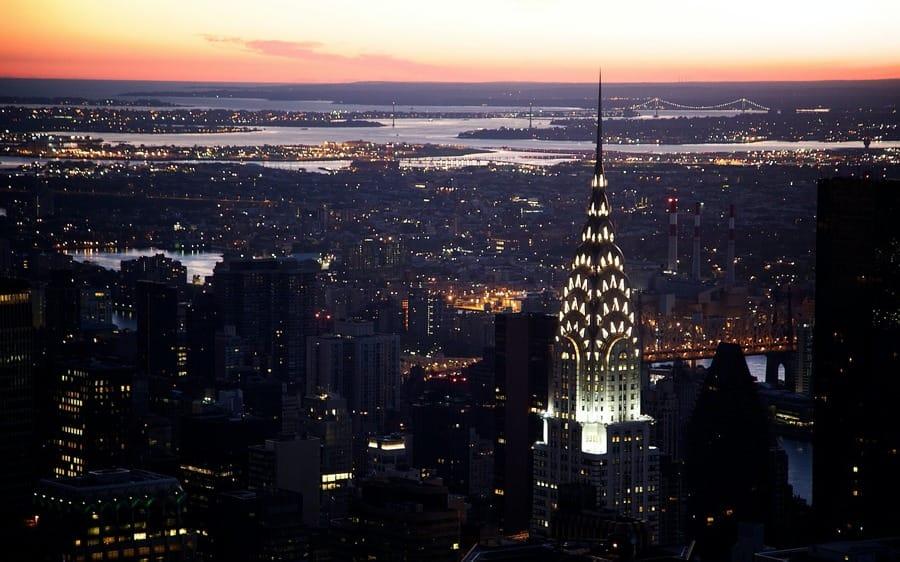 Il Chrysler Building di Manhattan di notte