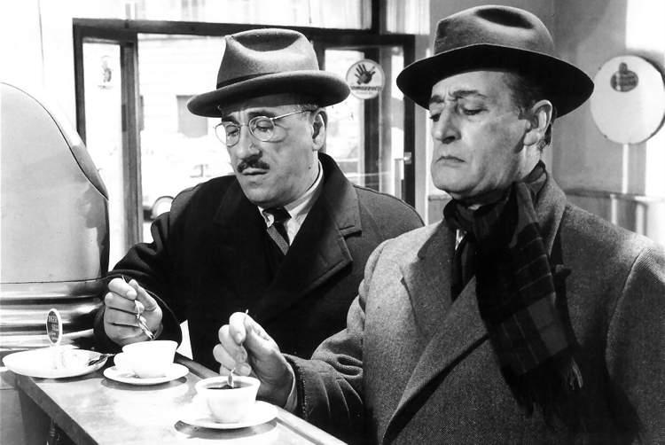 Totò con Peppino De Filippo, sua spalla in numerosi film