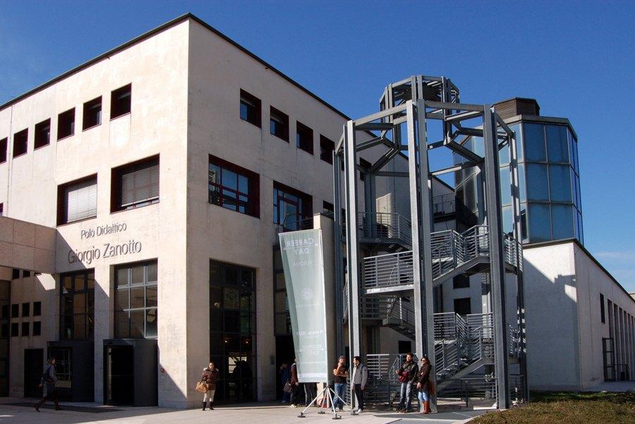 L'Università di Verona si piazza in testa alla classifica per il corso di fisioterapia (foto di Lo Scaligero via Wikimedia Commons)
