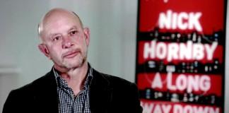 """Nick Hornby durante la presentazione del film tratto da """"Non buttiamoci giù"""""""
