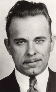Il celeberrimo bandito John Dillinger, uno dei re delle evasioni