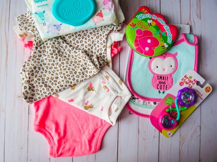 Bavaglini e altri oggetti per bebè