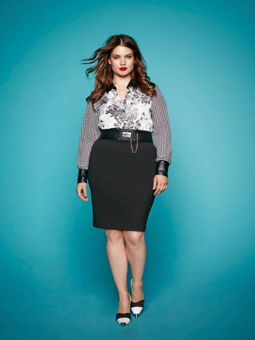 345044342666 La modella Tara Lynn mostra come la cintura possa valorizzare un fisico  curvy