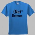 La sigla di Batman riportata su t-shirt