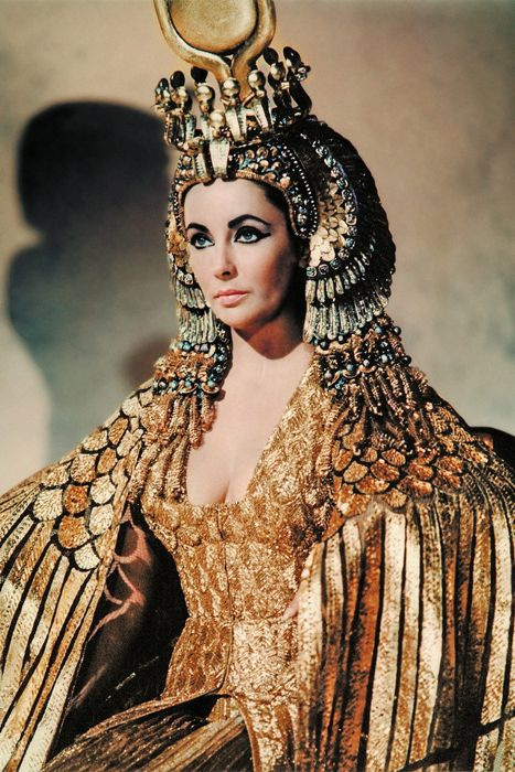 Cleopatra interpretata da Elizabeth Taylor