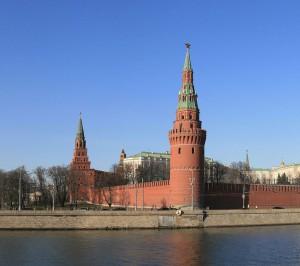 Il Cremlino, forse il palazzo più famoso di Mosca (foto di Ludvig14 via Wikimedia Commons)