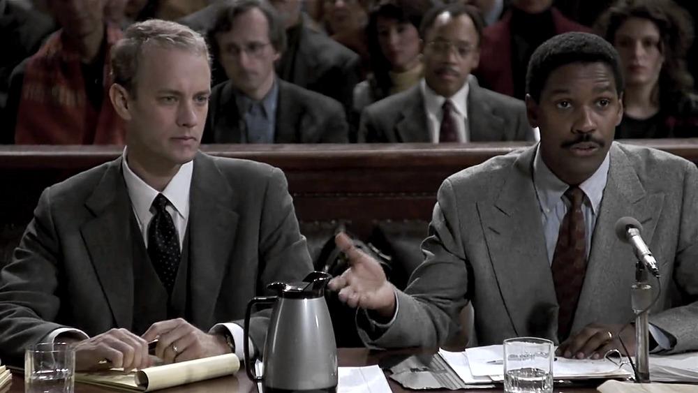 Denzel Washington e Tom Hanks in Philadelphia, uno dei più famosi film che fanno piangere