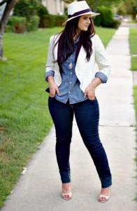 I jeans e i pantaloni più adatti per una ragazza formosa