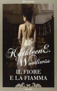 Il fiore e la fiamma è stato il primo romanzo scritto da Kathleen E. Woodiwiss