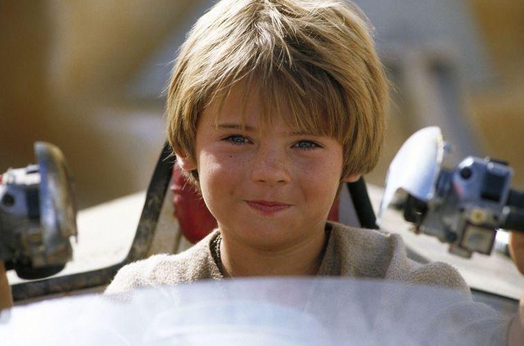 Il piccolo Jake Lloyd interpreta Anakin Skywalker nel primo capitolo della saga