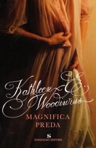 La copertina dell'edizione italiana di Magnifica preda, storia d'amore ambientata al tempo di Elisabetta I