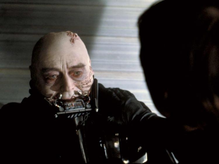 Sebastian Shaw, il volto di Darth Vader da uomo maturo