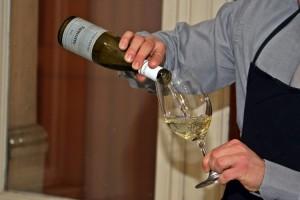 E poi l'effetto più scontato: lo champagne porta allegria