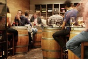Rispetto ad altre bevande, il vino bianco non ha molte calorie