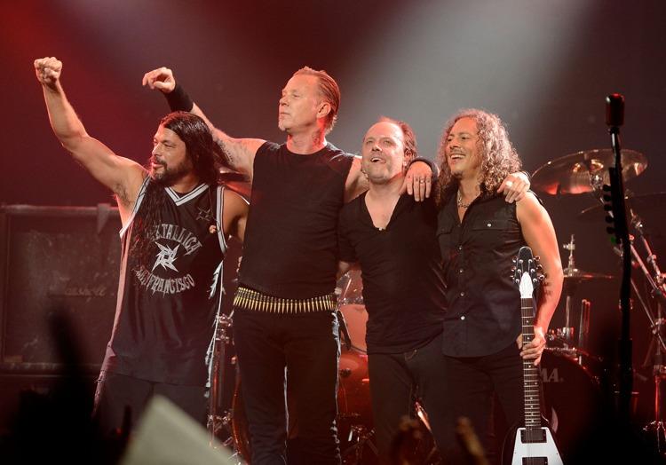 I Metallica nella formazione attuale, dopo un concerto