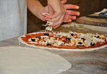 Le pizze più strane che potete assaggiare in giro per il mondo