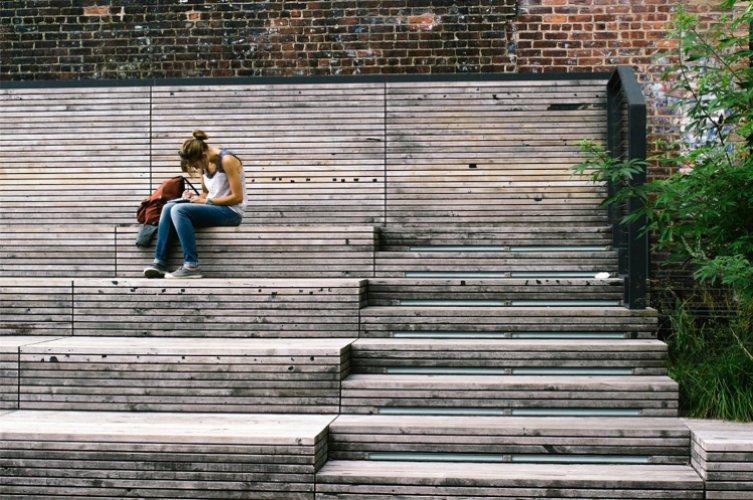 Preparare un esame può essere un compito molto stressante: ecco cinque modi per rilassarsi