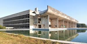 Il Palazzo dell'Assemblea, parte di un ampio progetto urbanistico a Chandigarh, in India