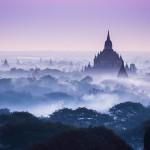 Nebbia su Bagan