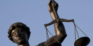 La giustizia è cieca, ma spesso anche le leggi non ci vedono proprio benissimo