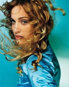 """Madonna in una foto di Testino usata anche come copertina dell'album """"Ray of Light"""""""