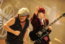 Brian Johnson e Angus Young degli AC/DC