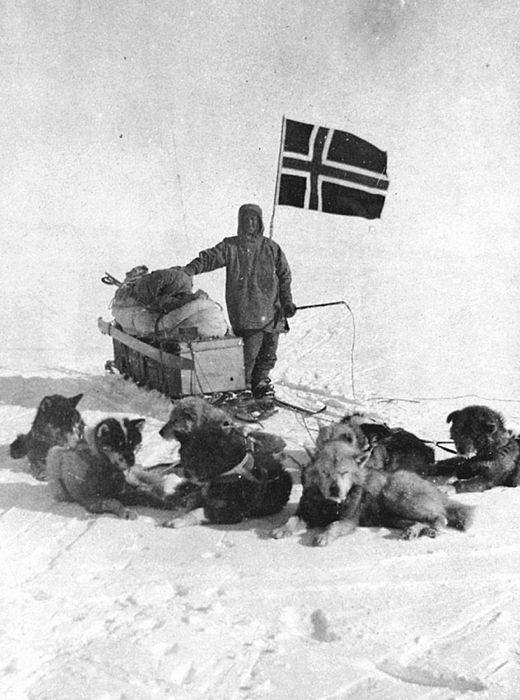 Roald Amundsen al Polo Sud (foto della Nasjonalbiblioteket norvegese)