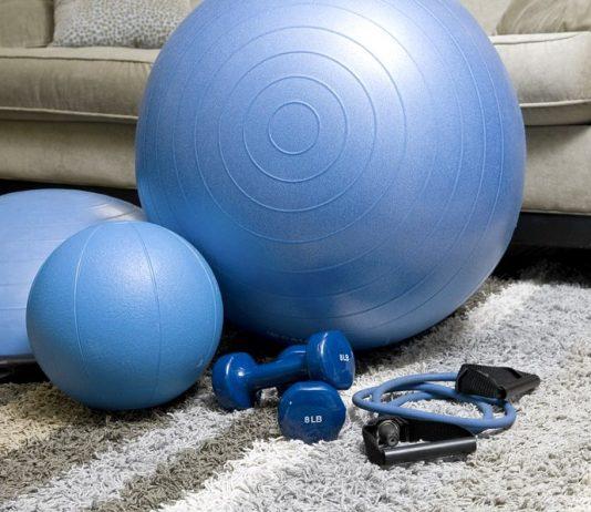 Vi piace fare ginnastica in salotto? Ecco come creare una palestra in casa