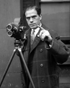 Il regista italoamericano Frank Capra