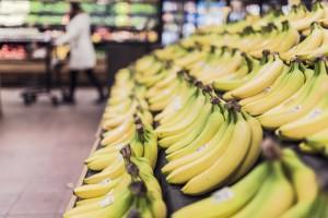 Banane in un supermercato