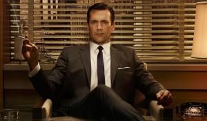 Don Draper, il playboy per eccellenza, anche se purtroppo sposato